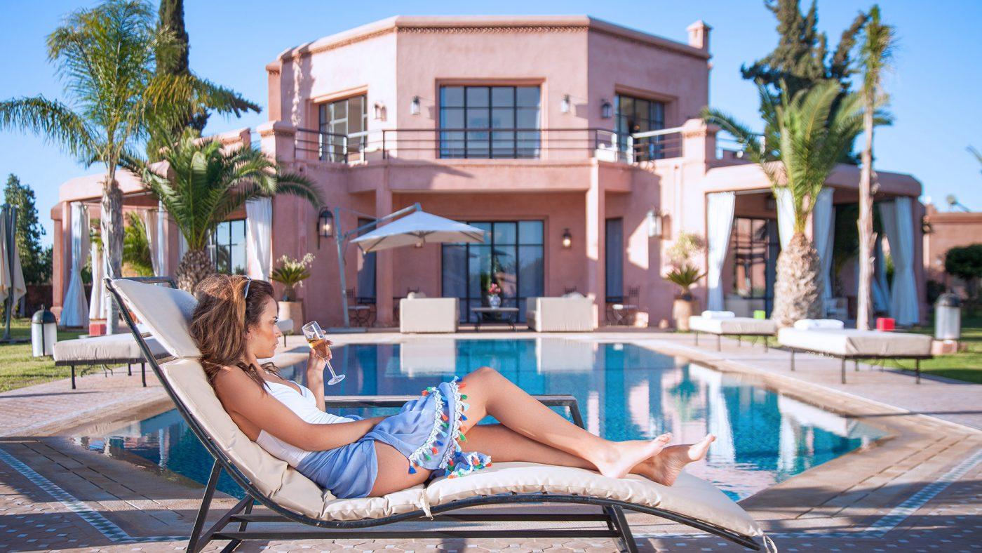 Villa maison d'hôtes à Marrakech jardins et salles communes